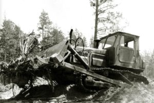 traktor T-4A DT24