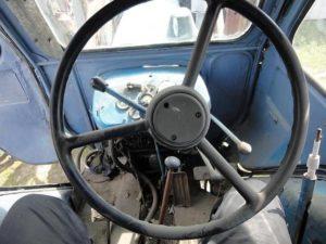 Кабина трактора МТЗ-50: обзор рабочего места