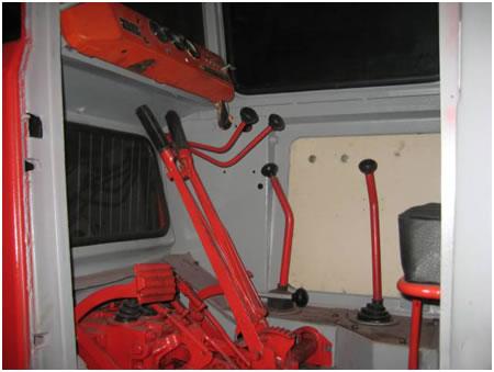 kabina-tdt-55-upravlenie-traktorom-obzor-rabochego-mesta