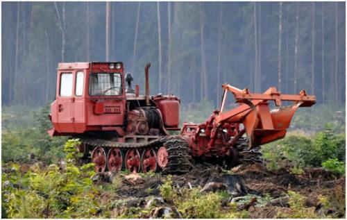 lht-55-traktor-lesohozyajstvennyj-gusenichnyj-v-rabochem-sostoyanii