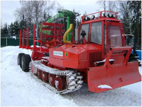 onezhec-320-traktor-lesopromyshlennyj-gusenichnyj