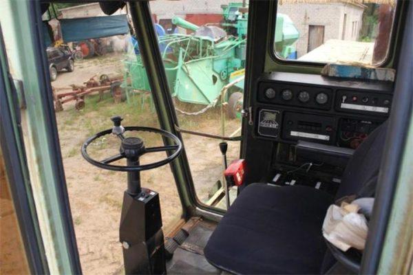 kombayn-don-1500B-kabina