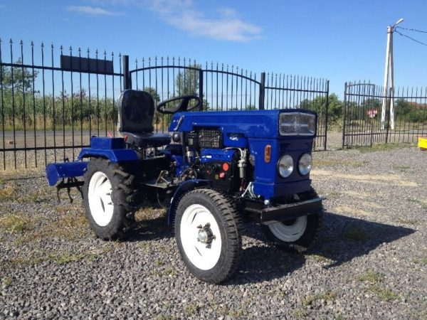 minitraktor-bulat-120