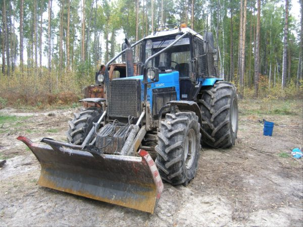 Belarus-TTR-411-na-baze-1221